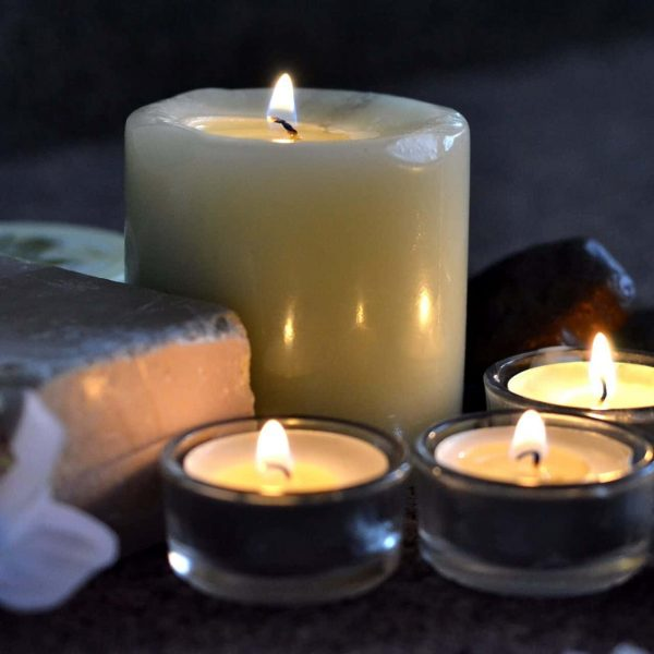 candles-2803444_1920